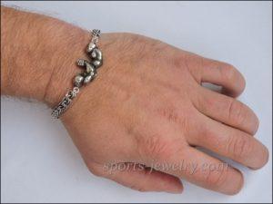 Arm wrestling bracelet