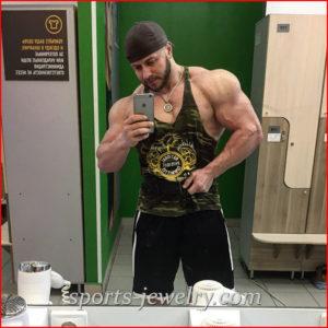 Weightlifting keychain photo