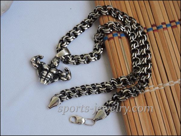 Bodybuilding jewelry chain..