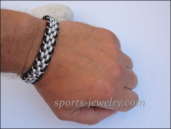 Wolf bracelet Photo