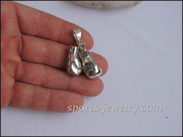 Jewelry gloves pendant