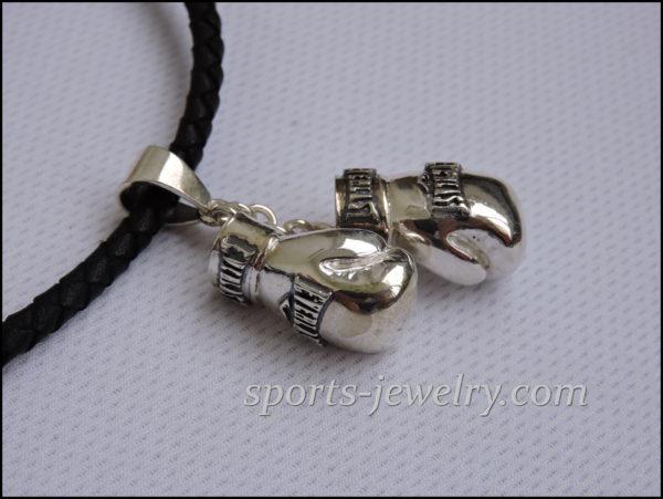 Jewelry pendant gloves