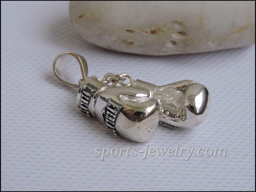 Jewelry. pendant gloves