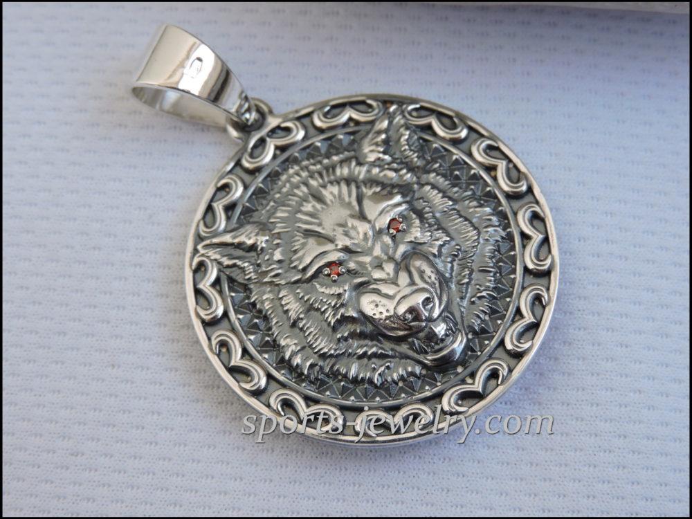 Wolf pendant Buy