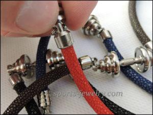 Stingray leather bracelet photo