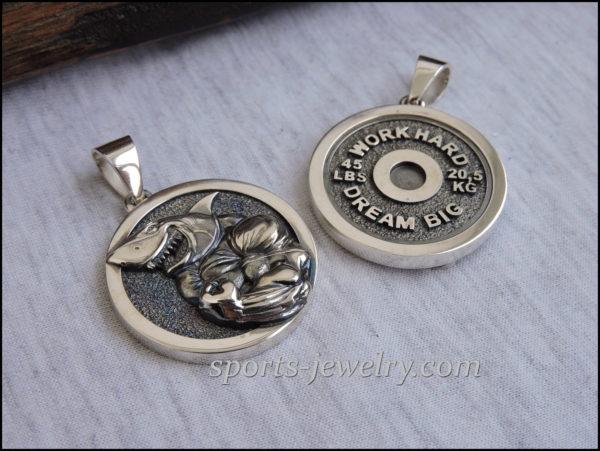 Shark pendant Bodybuilding necklace